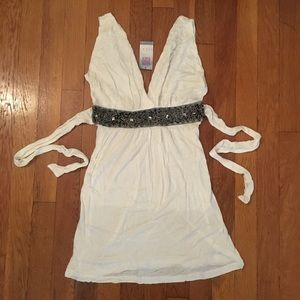 White V Neckline Top w/ Clear & Black Bead Detail